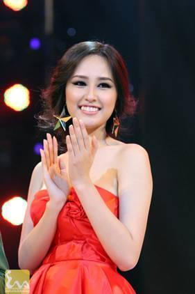 mai phuong thuy 4 Điểm danh những vòng 1 nóng bỏng của mỹ nhân Việt