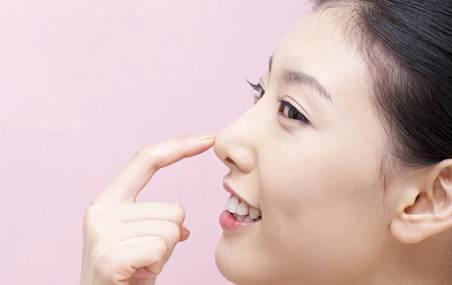 cham soc mui sau khi nang 1 Chăm sóc mũi sau khi nâng mũi