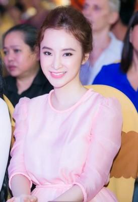 angela phuong trinh da kip thoi sua sai sau phau thuat tham nhu nao 2 274x400 Angela Phương Trinh đã kịp thời sửa sai sau phẫu thuật thẩm mỹ như thế nào?