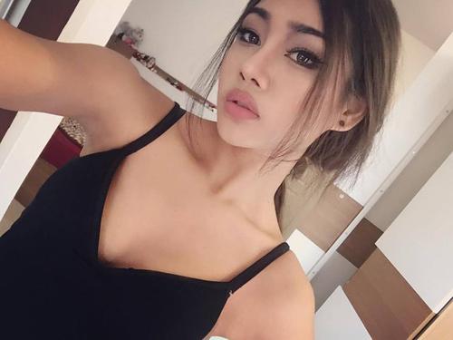 1455611494 1455605306 12742782 1002223233182637 7632653677163450116 n2 Bất ngờ với vòng eo 46 cm của hot girl Thái Lan
